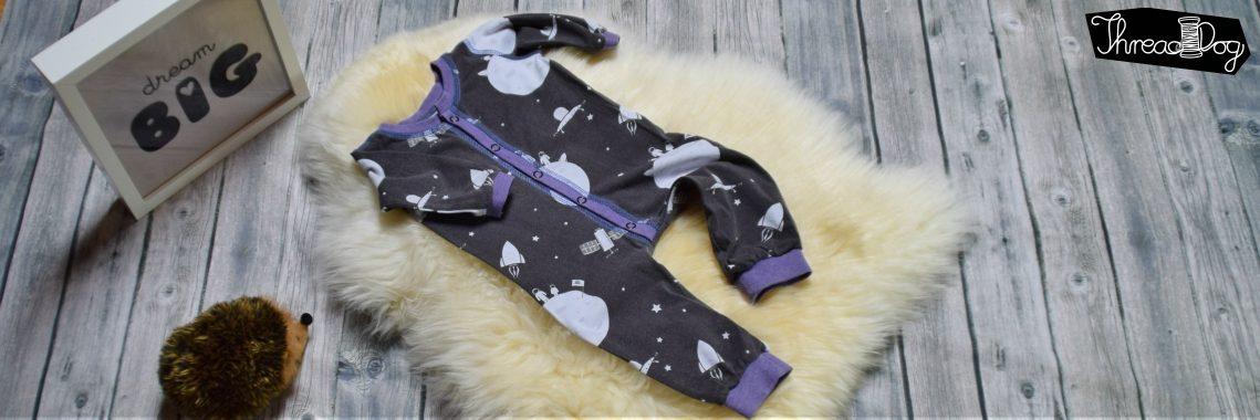 Schlafanzug mit Knopfleiste